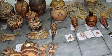 Santorini Arkeoloji Müzesini bekçisi soymuş olabilir