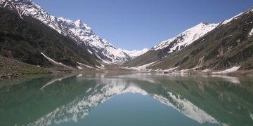 Pakistanın Kaghan Vadisinin doğal güzellikleri