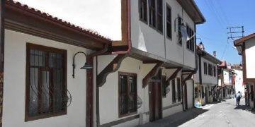 Vezirköprünün tarihi evleri restore edildi