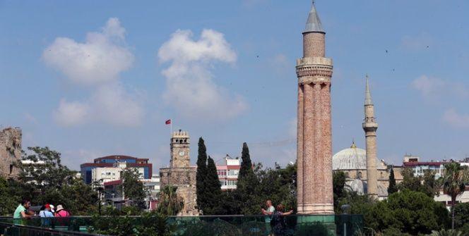 Yivli Minare Camisi