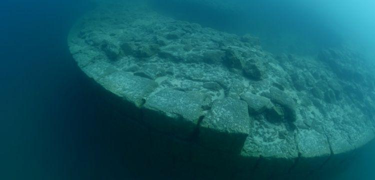 Van Gölü'ndeki kale surları ikinci kez görüntülendi