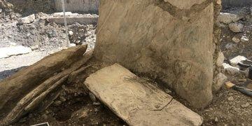 İsviçrede 3 bin yıllık üçgen dolmen bulundu
