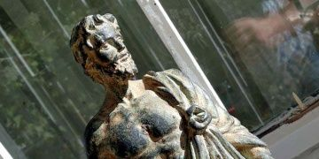Kayseride silah kaçakçılarında tarihi heykel yakalandı
