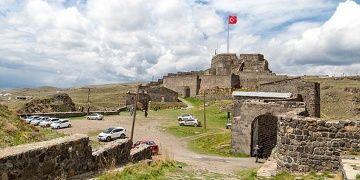 Karsın kaleleri kitaplaştı hamamları restore edildi