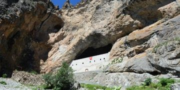 Giresundaki kaya mimarisi: Meryem Ana Manastırı