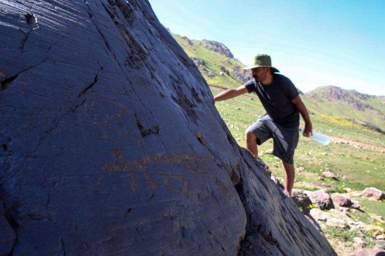 Hakkari'deki cilo dağında bulunan kaya resimleri
