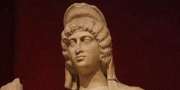 Tanrıçaların antik saç modelleri modaya göz kırpıyor