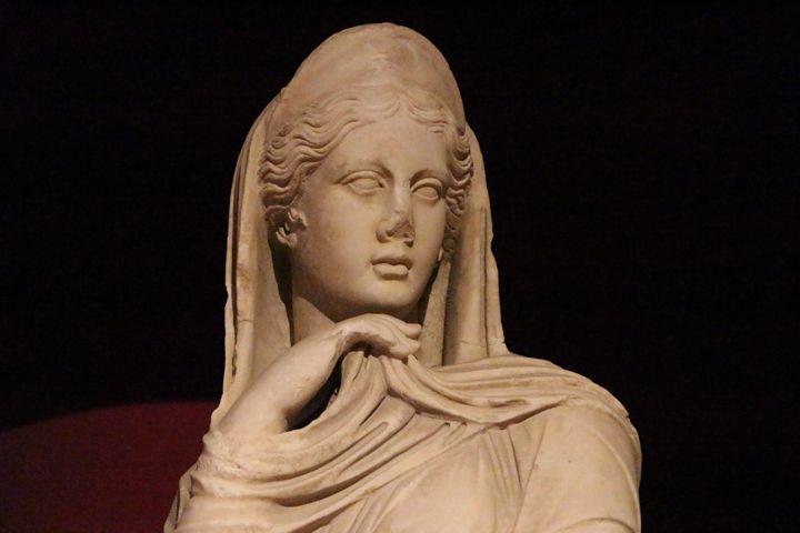 Antik Çağ Kadın Saç Modelleri Sergisinde yer alacak heykeller