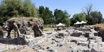 Çinileriyle meşhur Keykubadiye Sarayında arkeoloji kazıları sürüyor