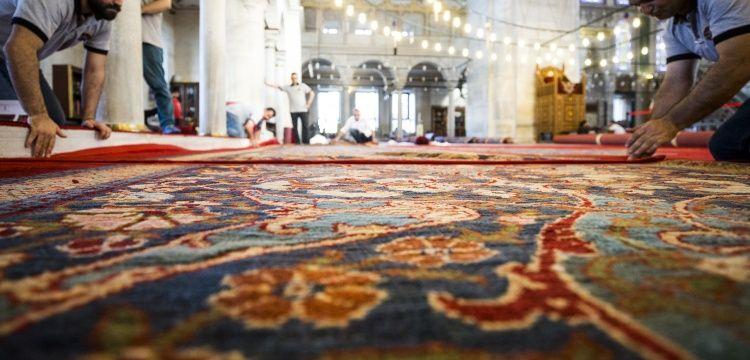 Fatih Camisinin tarihi halıları onarıldı