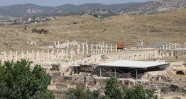 Arkeologlar Tripolis Antik Kentindeki 2 bin yıllık mahallenin peşinde