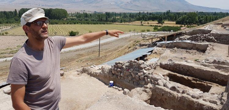 Arkeologlar Kınık Höyük'te bir tapınak daha keşfettiler