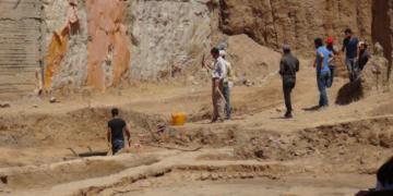 Mardin Müzesi Kızıltepede arkeoloji kazısı yapıyor