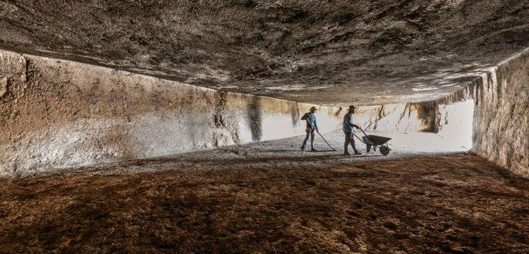Van Kalesi'nde Urartuların gizemli Menua Salonu araştırılıyor