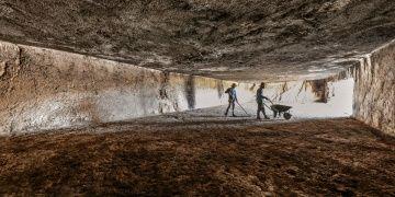 Van Kalesinde Urartuların gizemli Menua Salonu araştırılıyor