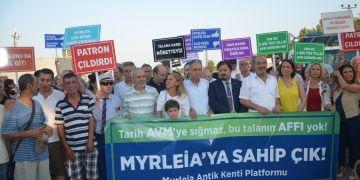 Myrleia Antik Kentine yapılan AVM eylemle protesto edildi