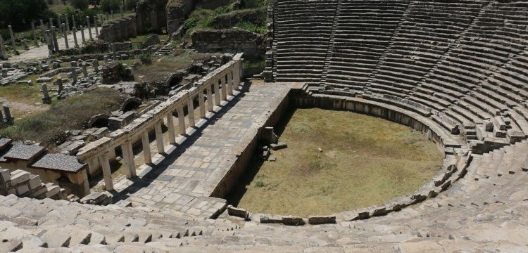 Afrodisias Antik Kentinde Gladyatör Dövüşü Canlandırıldı