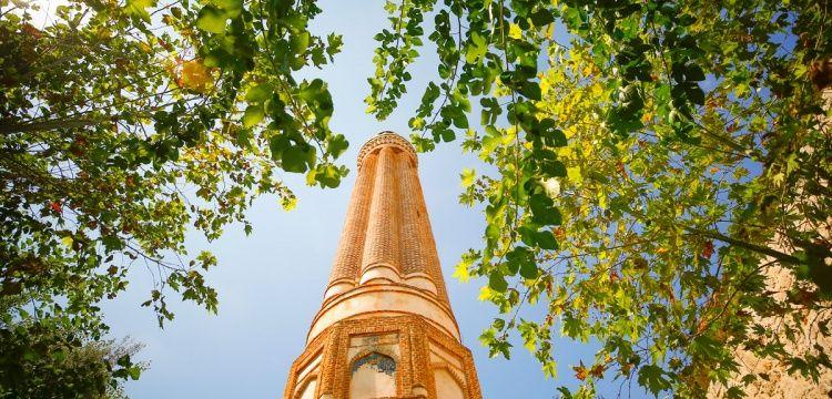 Antalya denince akla ilk Yivli Minare geliyor