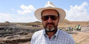 Hayallerini süsleyen Kültepe arkeoloji kazılarına başkan oldu