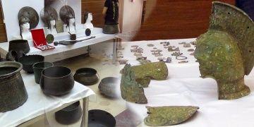 İstanbulun 3 ilçesinde 237 parça tarihi eser yakalandı