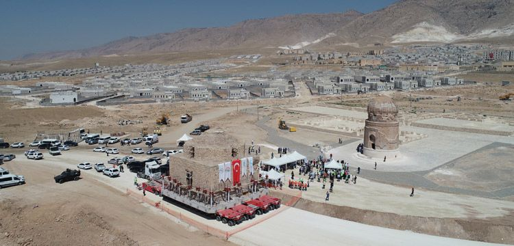 Tarihi Artuklu Hamamı baraj alanından Arkeopark'a taşındı
