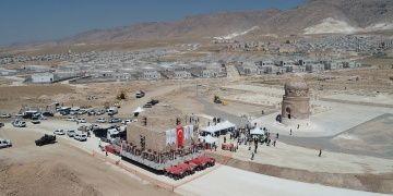 Tarihi Artuklu Hamamı baraj alanından Arkeoparka taşındı
