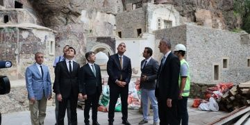 Bakan Ersoyun turizm hedefi sayı üzerine değil gelir üzerine