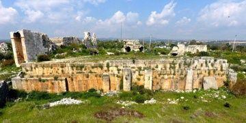 Akkale arkeoloji kazılarında benzersiz bir mezar anıtı keşfedildi