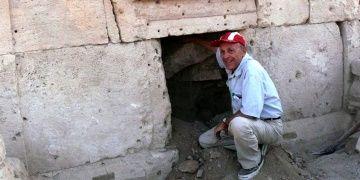 Ord. Prof. Dr. Francesco DAndria Hierapolise vedaya hazırlanıyor