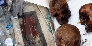 Mısırda lağım sızan gizemli lahitte altın kullanıldığı anlaşıldı