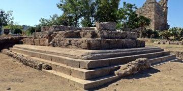 Plancia Magnanın anıt mezarı için son kazılar yapılıyor