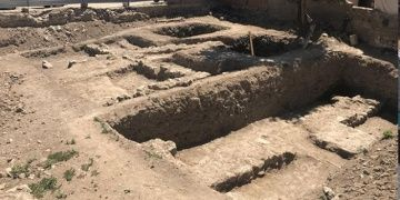 İznikte yıkılan binanın temelinden Osmanlı kalıntıları çıktı