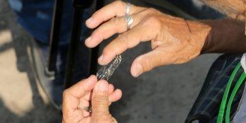 Yumuktepe arkeoloji kazılarının ilk gününde neolitik ok ucu bulundu