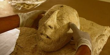 Meksikada 7. yüzyıla tarihlenen Maya Kralı maskesi bulundu