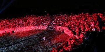 Perge Antik tiyatrosunda teatral dans gösterisi yapıldı