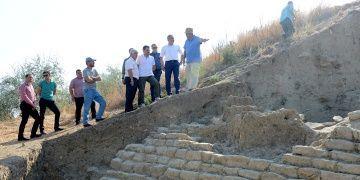 Maydosta 4 bin yıllık testere dişi şekilli sur duvarı bulundu