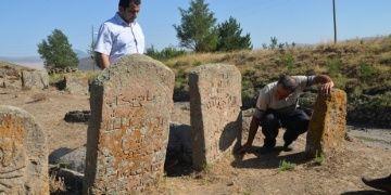Muşta Osmanlı mezarlığının hali içler acısı