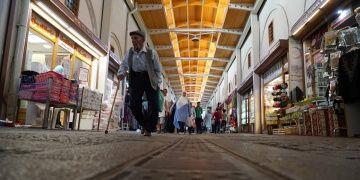 Tarihi Maraş Kapalıçarşısı şehrin 500 yıldır atan ticari kalbi gibi