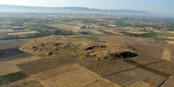 Beycesultan Höyüğünde 3600 yıllık dokuma ürünleri bulundu