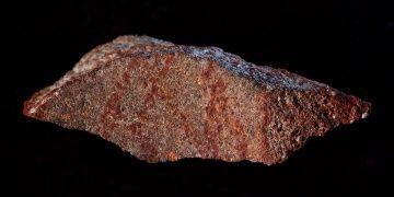 Güney Afrikada 73 bin yıllık soyut çizim bulundu