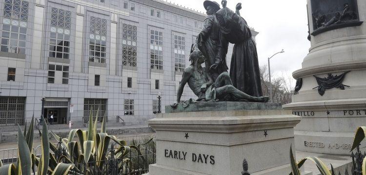 Kızılderilileri aşağılayan heykel San Francisco'dan kaldırılacak