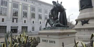 Kızılderilileri aşağılayan heykel San Franciscodan kaldırılacak