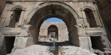 İstanbul Kapıda arkeologlar Roma dönemi yoluna ulaştılar
