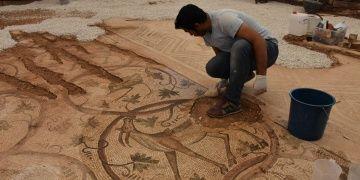 Perre Antik Kentinde bulunan mozaik ziyarete açıldı