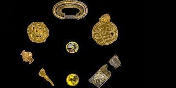 Danimarkanın Define Adasında bulunan altınlar sergilenecek