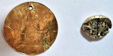 Tarihi eser operasyonunda 2.600 yıllık altın lidya sikkesi yakalandı