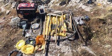 Amasyada dinamit ve dedektörle kaçak kazı yapan 6 defineci yakalandı