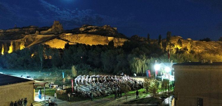 Van Kalesinde Urartu'dan Avrupa'ya 20 ayrı dilde konser