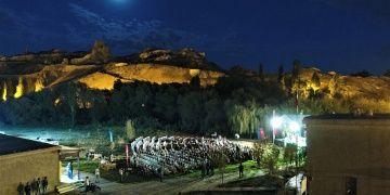 Van Kalesinde Urartudan Avrupaya 20 ayrı dilde konser