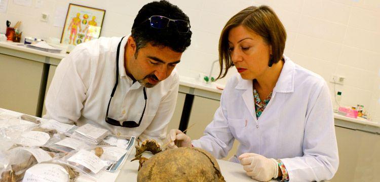 8 bin yıllık Anadolu kadının kol kasları güçlü, dişleri çürük çıktı